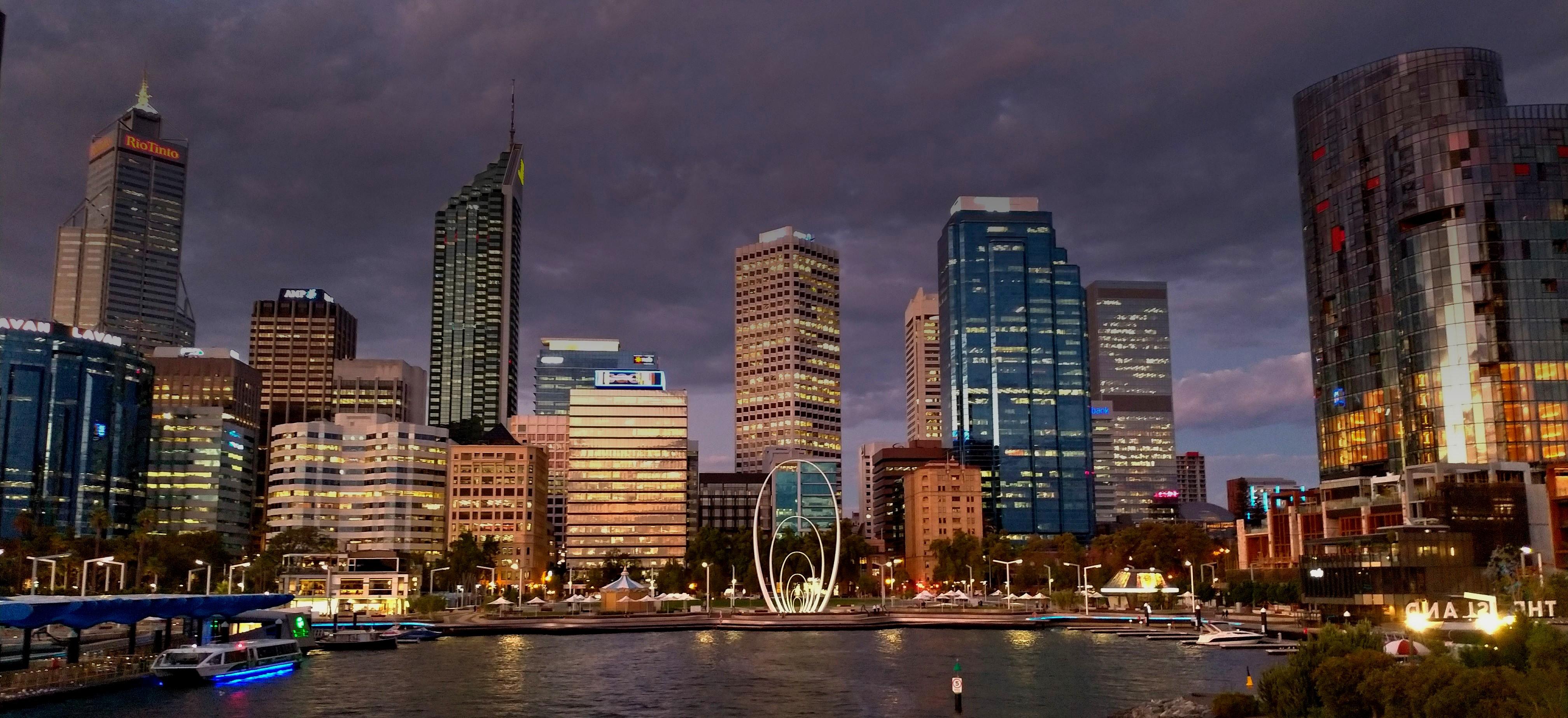 パース CBD 夜景 Perth オーストラリア